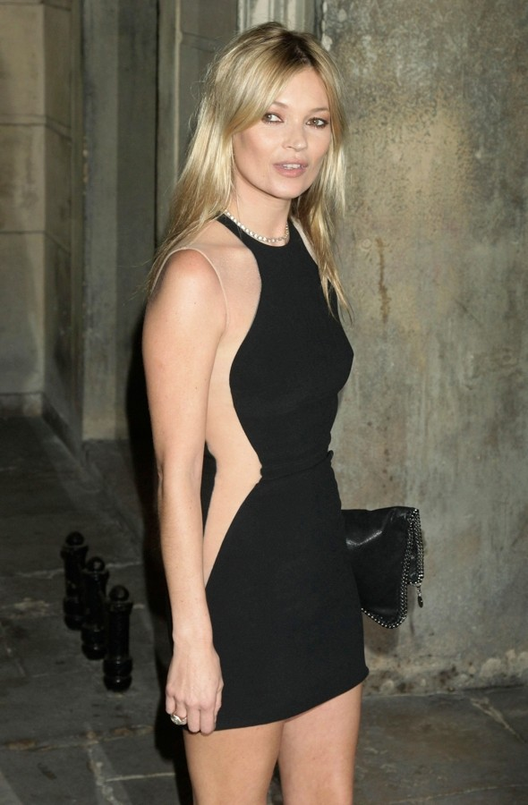 Kate Moss makes eyes pop in a mini Stella McCartney sculpture dress
