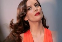 Video: Behind-the-scenes on Liv Tyler's Pantene shoot