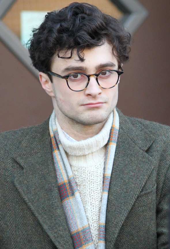 Daniel Radcliffe in round sunglasses