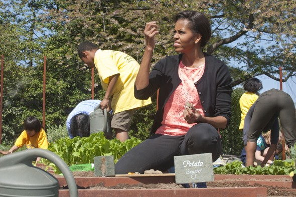 Michelle Obama is casual for White House garden spring planting event