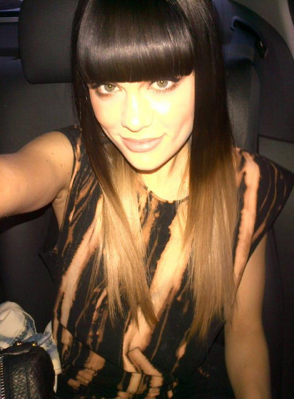 Jessie J tweets picture of new blonde hair