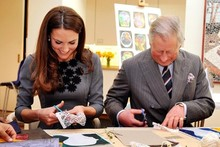 Duchess Kate and Prince Charles get crafty/domestic at picture gallery outing