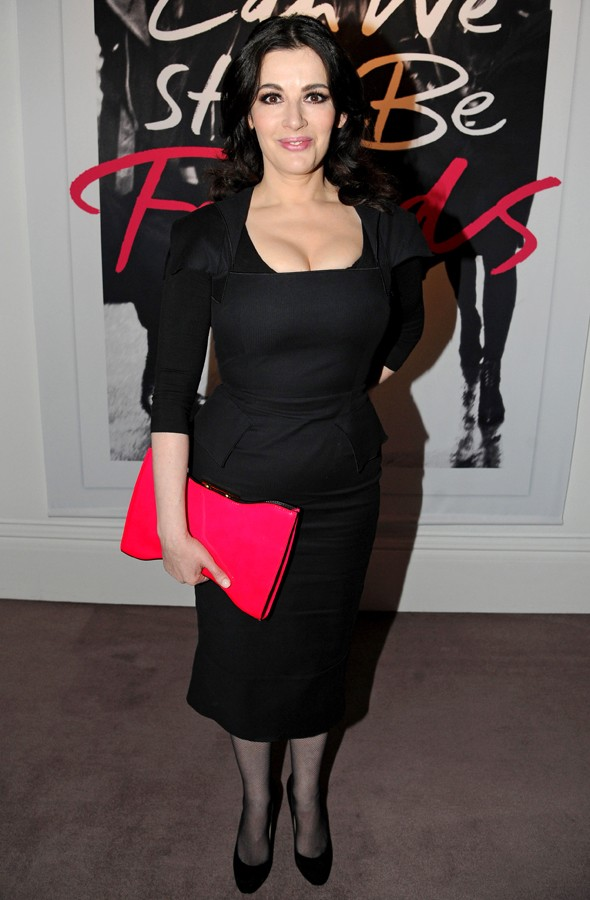 Nigella Lawson has a Mad Men moment in LBD as she parties with Sam Cam