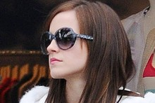 Is Emma Watson channeling Kim K on set of new film?