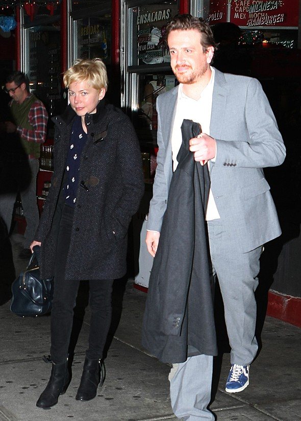 Yay! Michelle Williams and Jason Segel go public