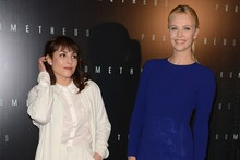 Charlize Theron outshines Noomi Rapace at Paris Prometheus premiere