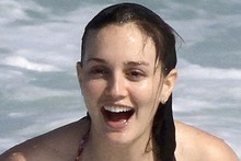 Leighton Meester's holiday style - bikini, cut-offs and carrier bags