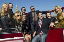 American Pie cast hit London, do some sightseeing on an open-top bus