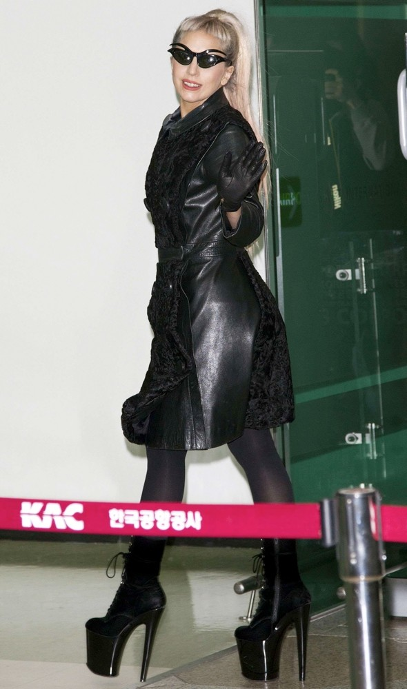 Lady Gaga's airport style: Highest heels EVER?