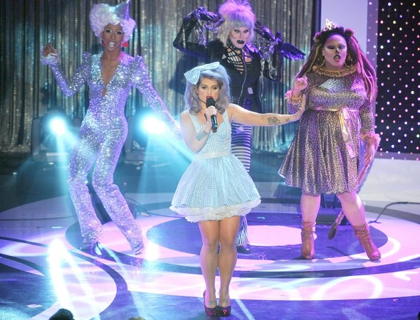 Dorothy from the Wizard of Oz? No, it's Kelly Osbourne
