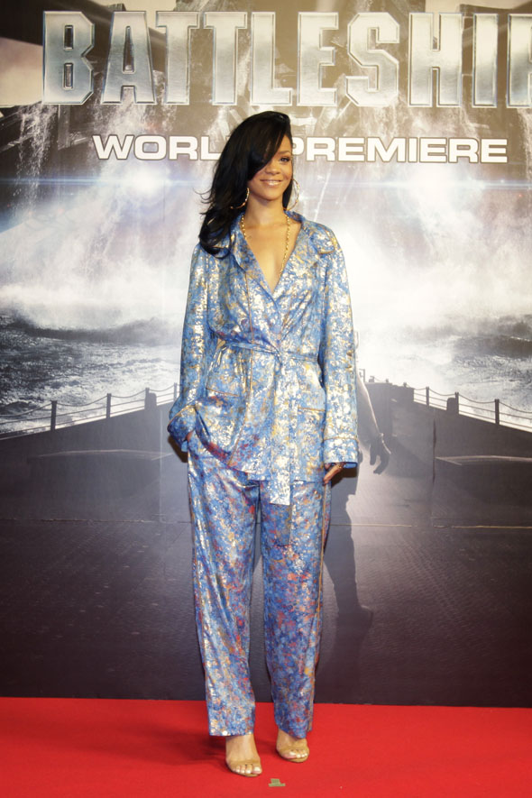 rihana on pyjamas to premiere of battleship