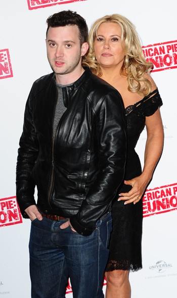 Eddie Kaye Thomas and Jennifer Coolidge