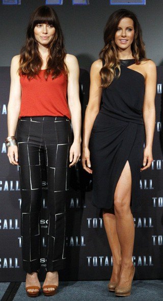 Jessica Biel and Kate Beckinsale at the Mexico photo call