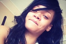 Barefaced cheek: Rihanna tweets makeup-free picture