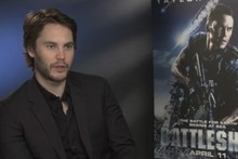 VIDEO: When MyDaily met Taylor Kitsch (Really quite attractive man alert)
