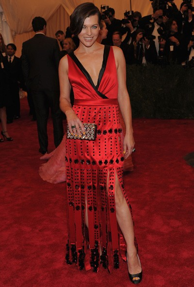 Milla Jovovich in Marc Jacobs