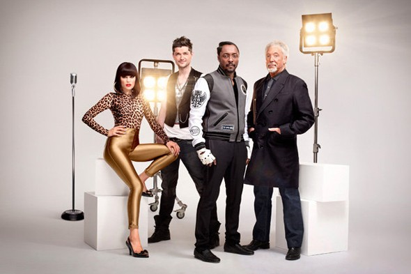 Jessie J revisits The Voice golden leggings - eclectic?