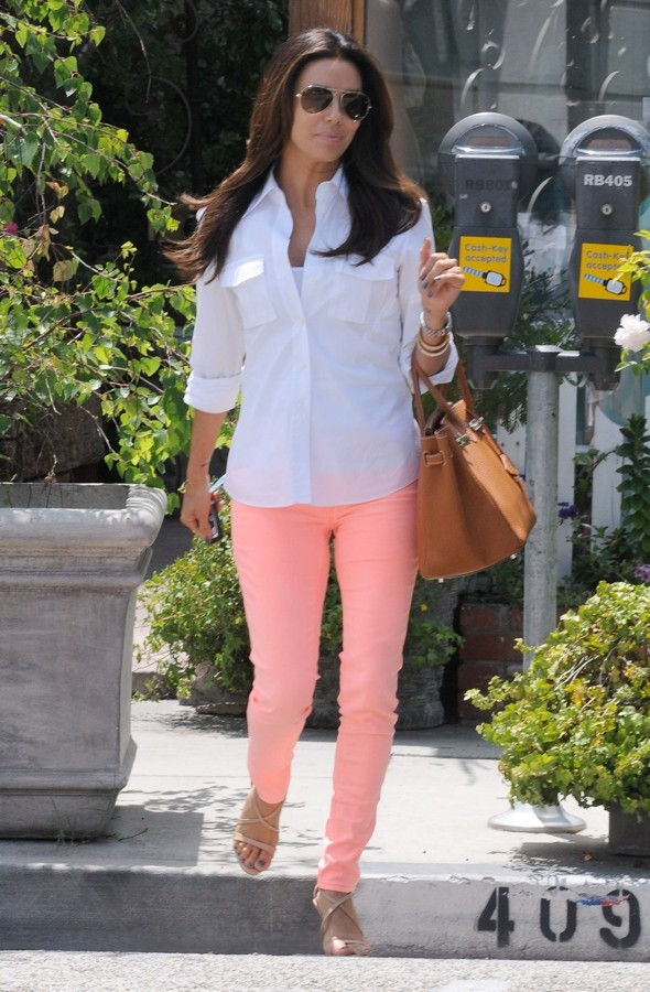 Eva Longoria's coloured jeans: Just peachy?