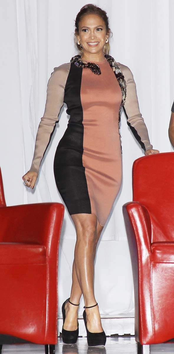 J-Lo wears bodycon dress wrapped with a snake, but which actress has already worn it?