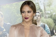 Jennifer Lopez goes nude for What to Expect When You're Expecting premiere