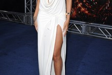 Rihanna takes the plunge at Battleship LA premiere
