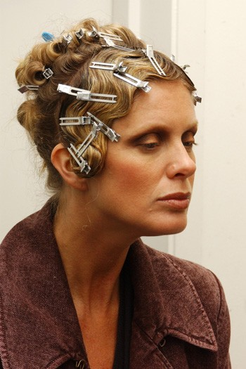 How To Do Pin Curls - MyDaily UK
