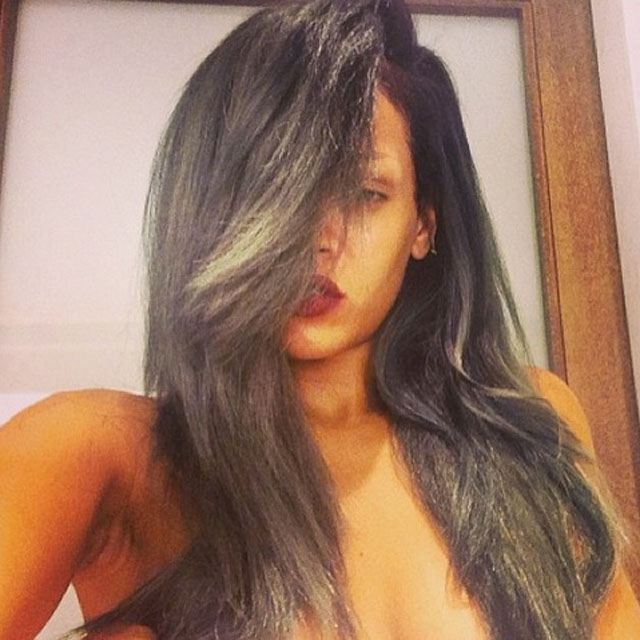 rihanna-grey-hair