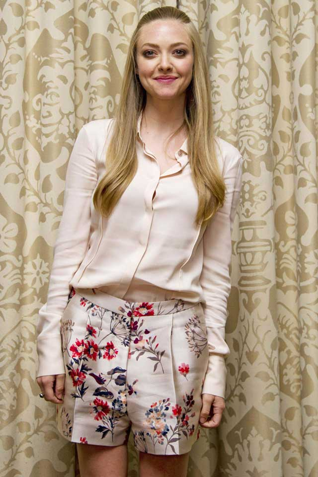 WANT! Amanda Seyfried's Floral Printed Shorts