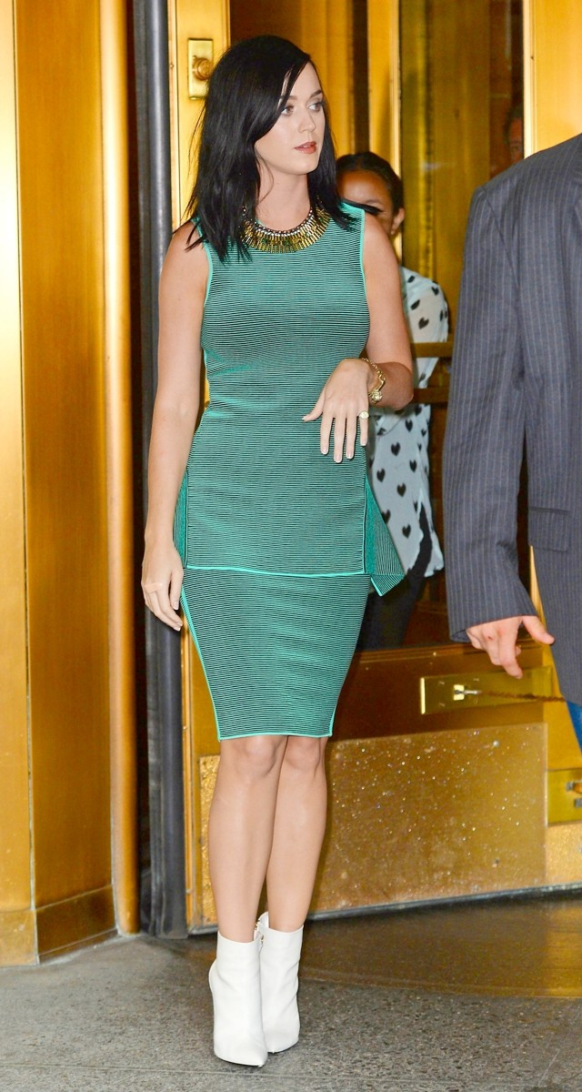 Green Dream? Katy Perry In Optical Illusion (Dress)