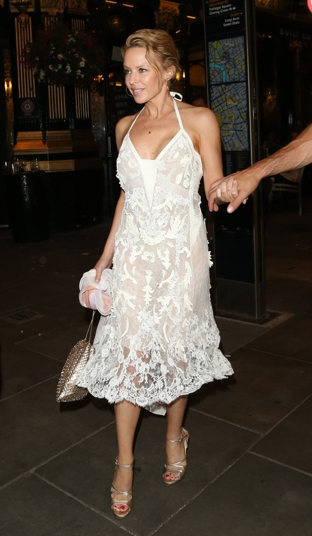 White Hot! Kylie Minogue Shows Off Amazing Lace Dress On Dinner Date With Andres