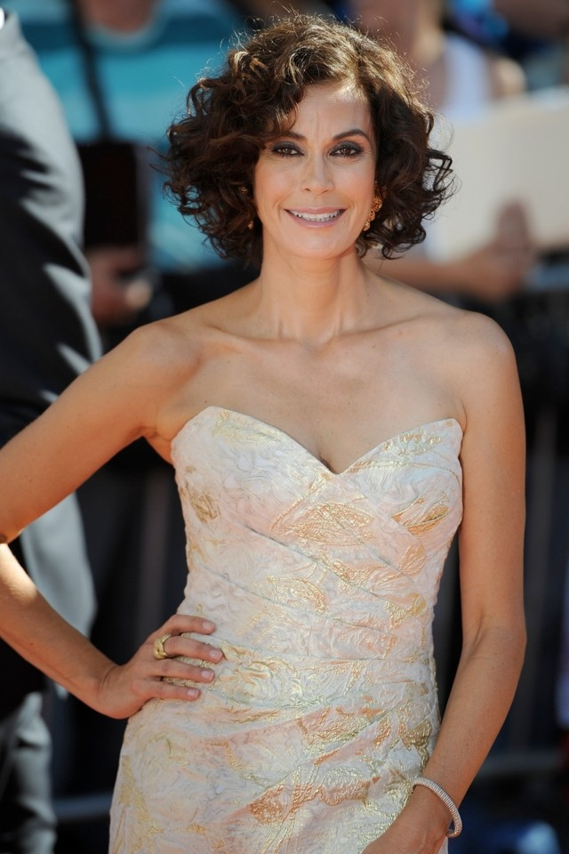 Teri Hatcher Goes For Gold At Planes LA Premiere