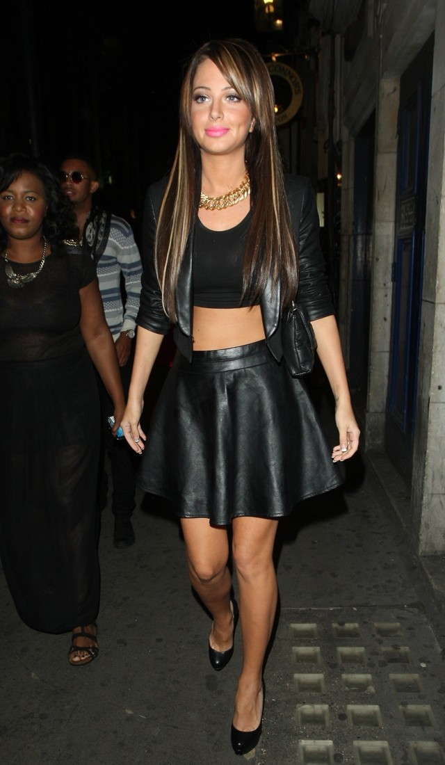 Tulisa Tries (And Fails) To Work Crop Top And Leather Skirt Look ...