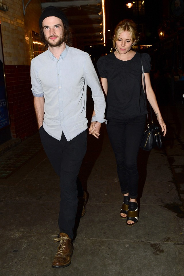 sienna miller and tom sturridge on date night