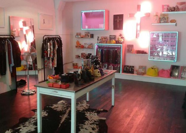 Interview With :    Willa Keswick, Owner of The Village Bicycle boutique