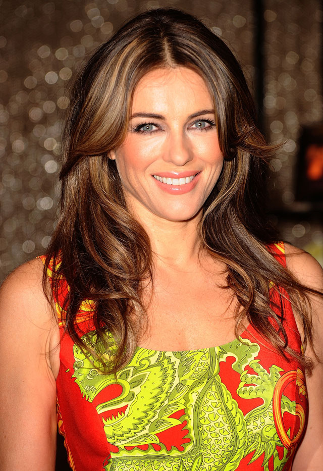 elizabeth hurley to play the queen in american tv drama the royals