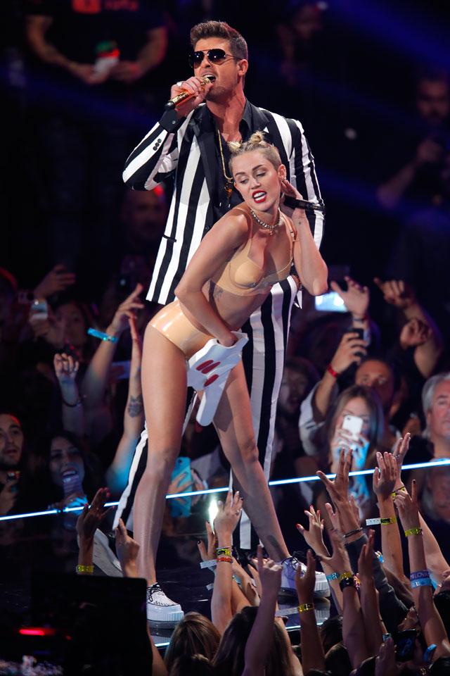 miley cyrus speaks out about VMAs performance
