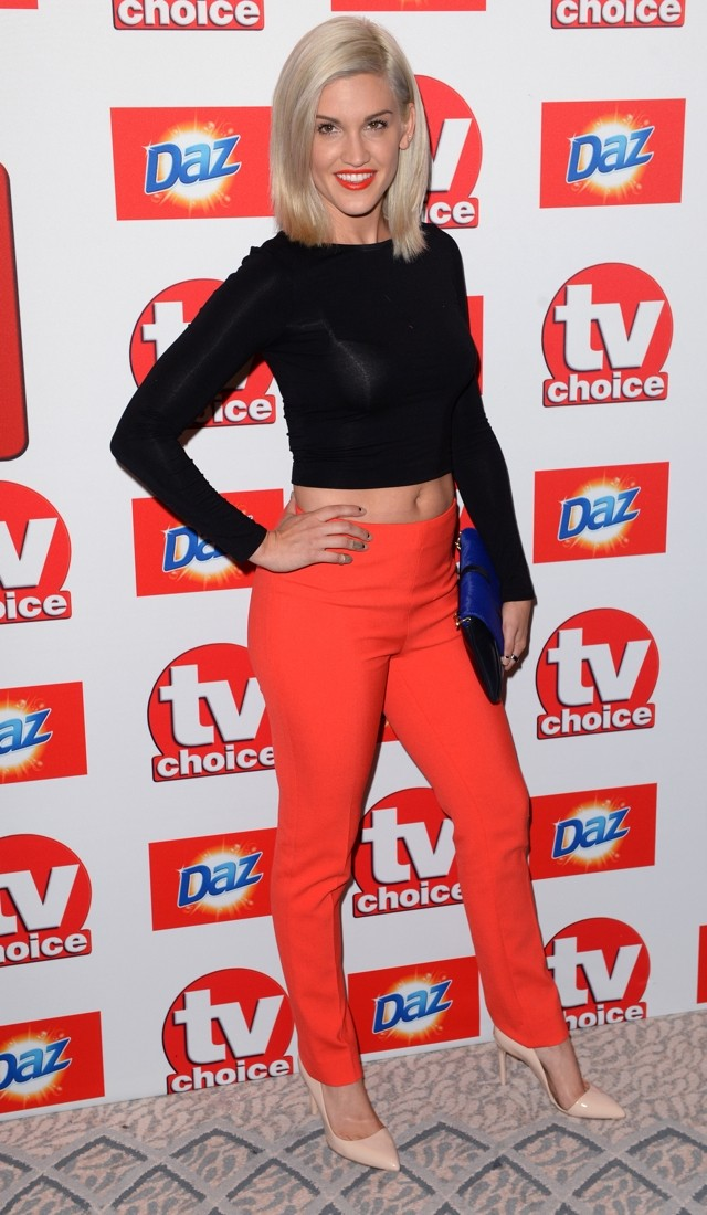 TV Choice Awards 2013: Ashley Roberts Does BRIGHT Red Trousers And Crop Top