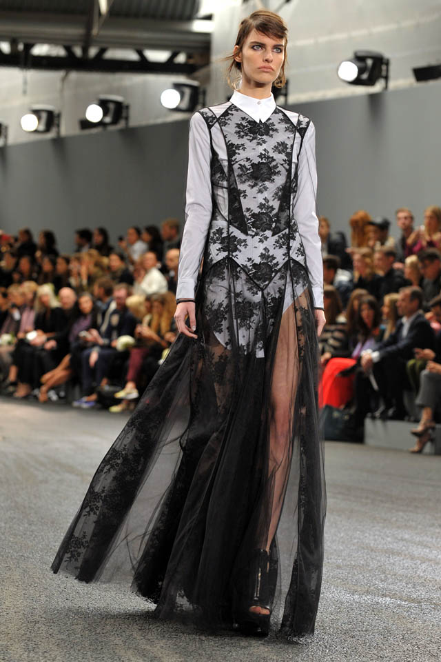 erdem-catwalk-london-fashion-week-2014