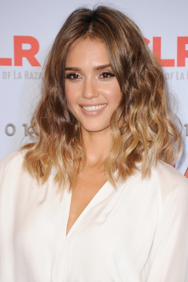 Jessica Alba Gets Her Glitz And Glam On For 2013 Alma Awards