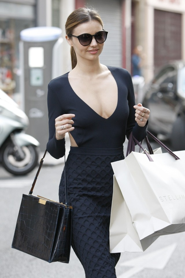 Bringing Sexy Back! Miranda Kerr Does Amazing Cutout Dress For Paris Fashion Week