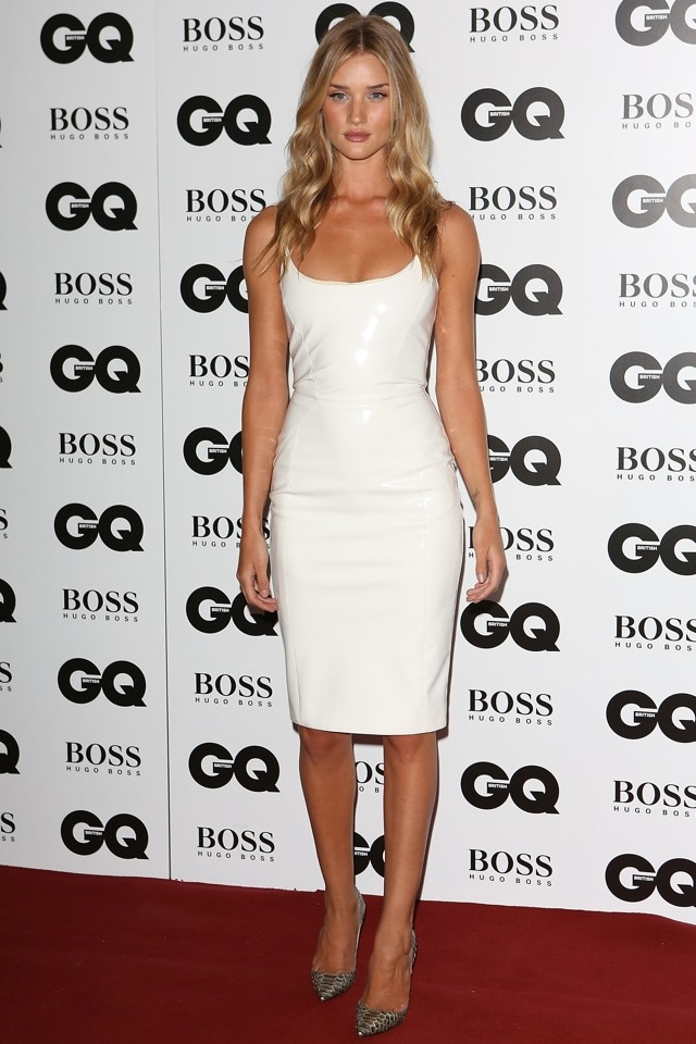 Va-Va-Versace! Rosie HW Shows Jason What He's Missing At GQ Men Of The Year Awards