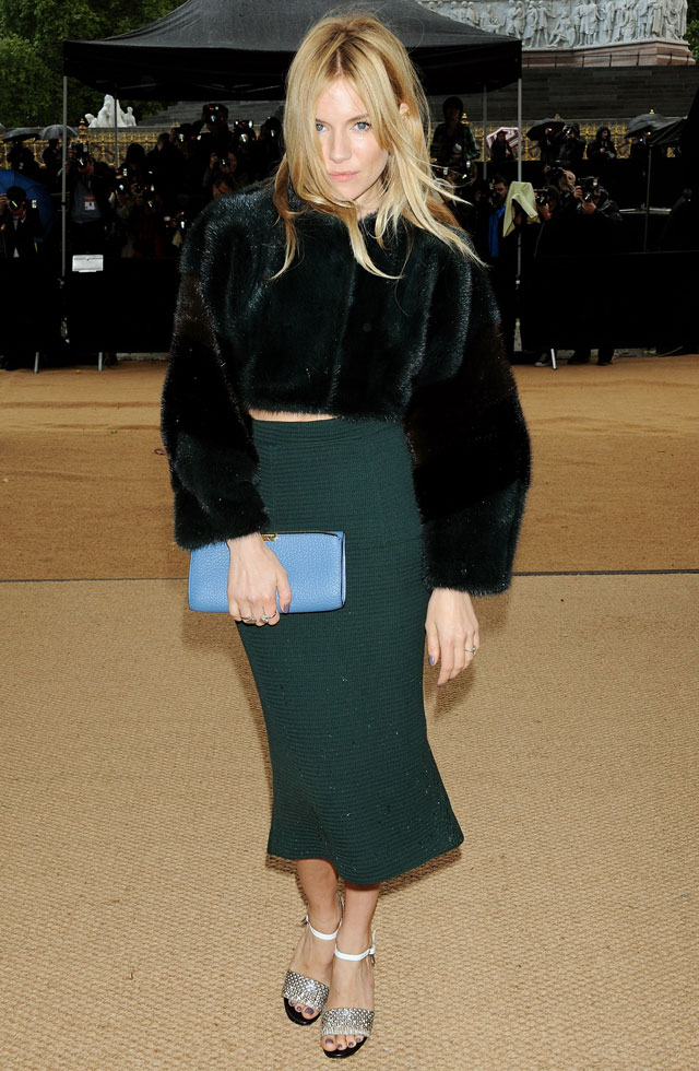 sienna miller at burberry spring/summer 2014