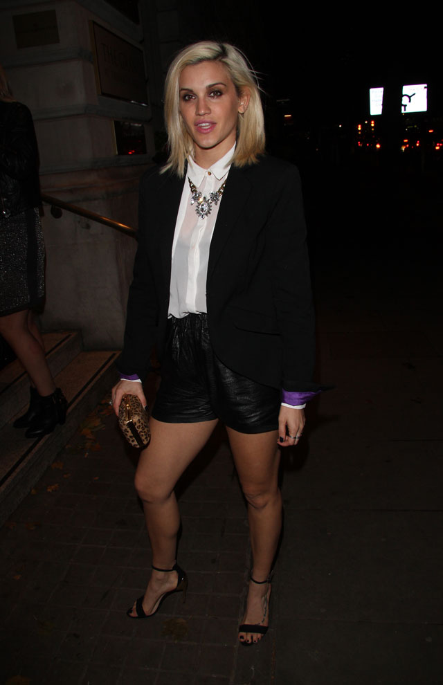 Ashley Roberts Braves The Autumn Chill Without Tights In Short Shorts *Impressed Face*