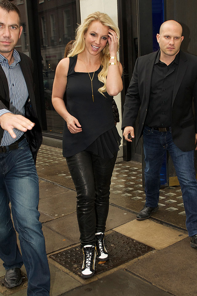 britney spears promotes new single in london
