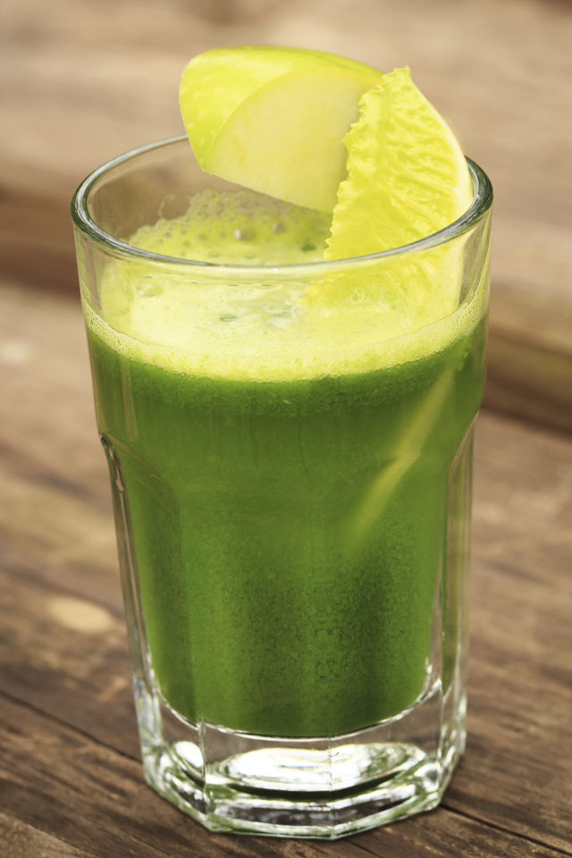 Green Juice Recipe: Pear, Apple, Broccoli And Courgette Juice