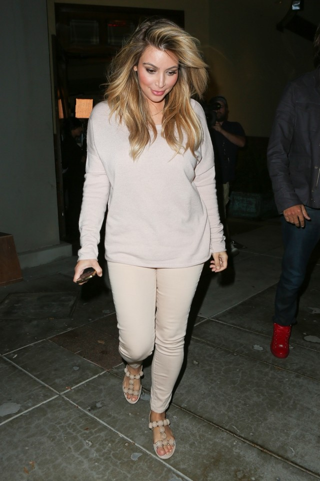 Kim Kardashian Slips Back Into Her Skinny Jeans For Dinner With Khloe
