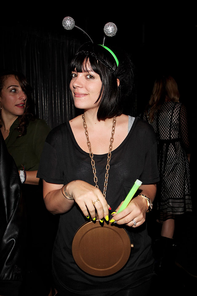 lily allen parties with annie mac