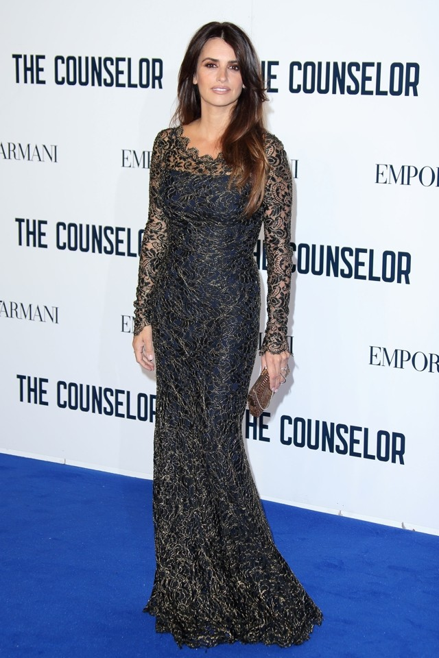 Penelope Cruz Shows Off Post-Baby Body In Black Lace Gown At The Counselor Premiere