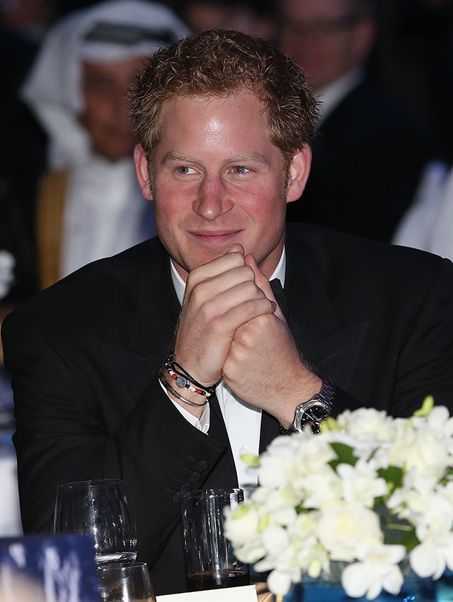 prince harry kisses joss stone & denise van outen at gala dinner in dubai