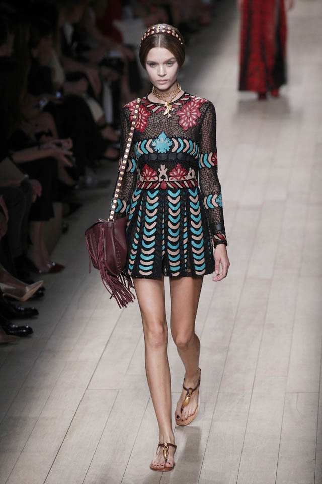 valentino-catwalk-paris-fashion-week-2014